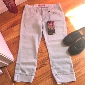 Levi's Cropped/Capri/Ankle Size 5 NWT